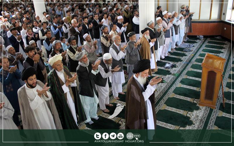 نماز عید فطر به امامت آیت الله سید محسن حجت